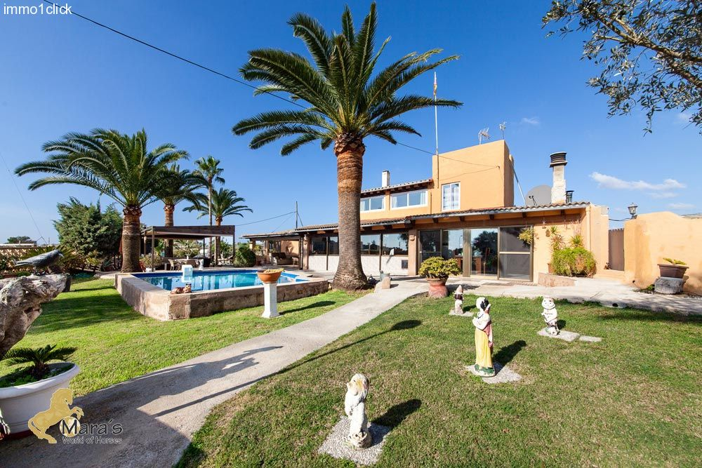 countryhouse for sale near beach Majorca